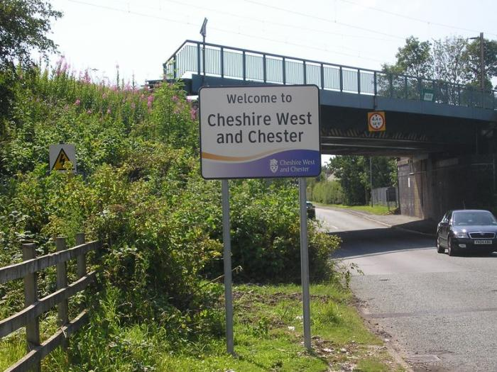 800px-A56_Cheshire_West_and_Chester_sign