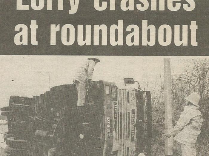 Scan_20170529 (2) Lorry Crash Feb 1990