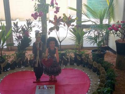 Suva Flowers 3