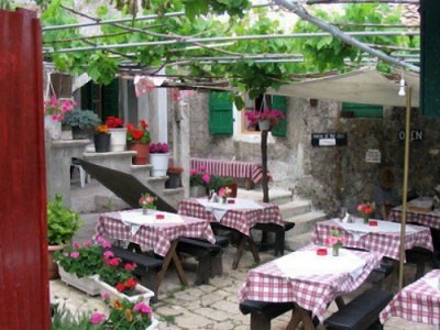 Taverna tables on Zante