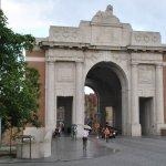 Ypres_Menin_Gate_Memorial_2011_03