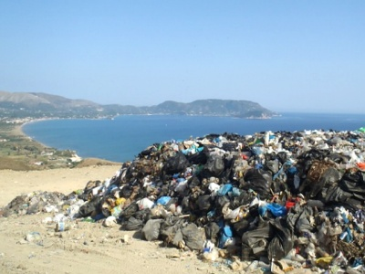 zante beach rubbish
